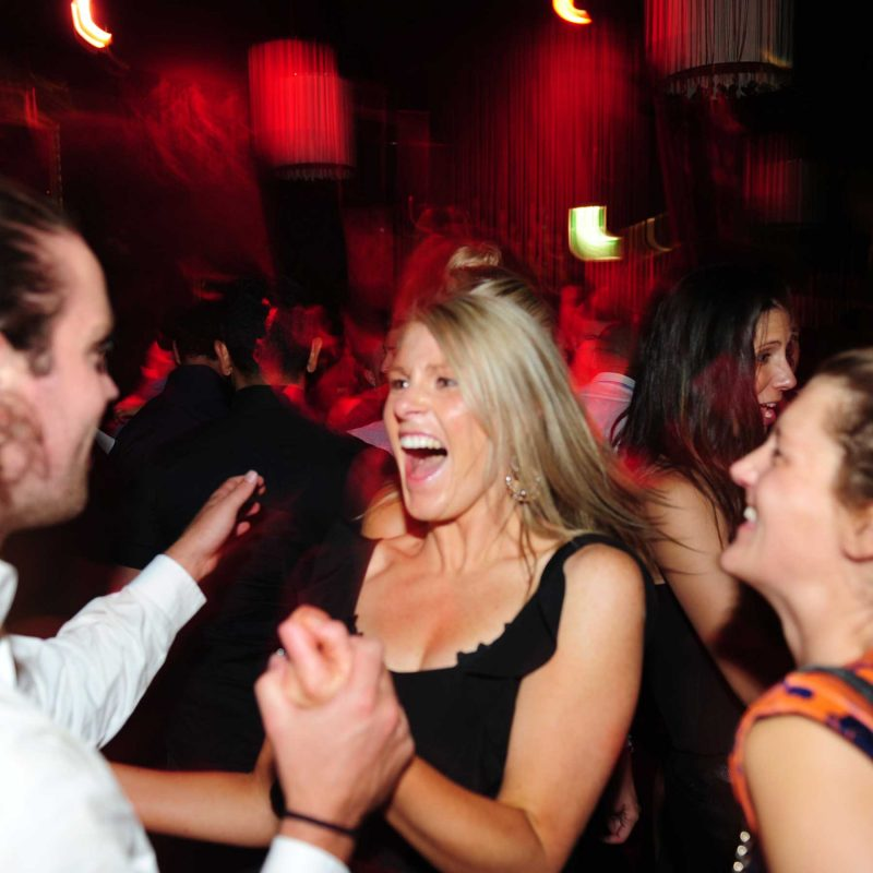 Dancing-Blonde-Great-party